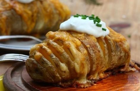 Веер из картошки с запеченной курицей